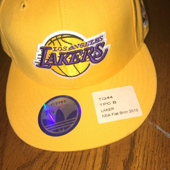 413b5a38 adidas Accessories | La Lakers Fitted Flat Brim Hat Size7 38 | Poshmark